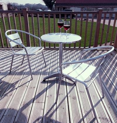 STUNNING POLISHED ALUMINIUM BISTRO 3 PIECE PATIO FURNITURE SET