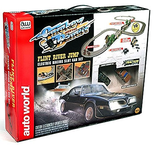 Auto World 16' Smokey and The Bandit Slot Car Race Set
