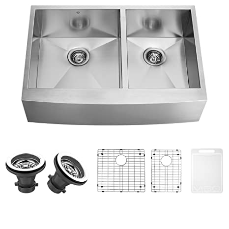 VIGO 36 inch Farmhouse Apron 60/40 Double Bowl 16 Gauge Stainless Steel Kitchen Sink with Two Grids and Two Strainers