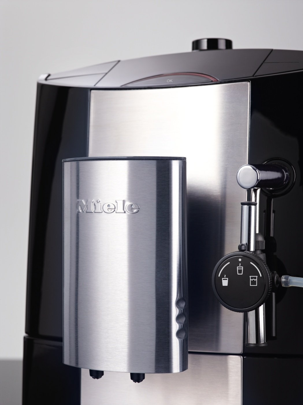 miele cm 5100 kaffee vollautomat in tiefschwarz f r 499 frei haus zackzack. Black Bedroom Furniture Sets. Home Design Ideas