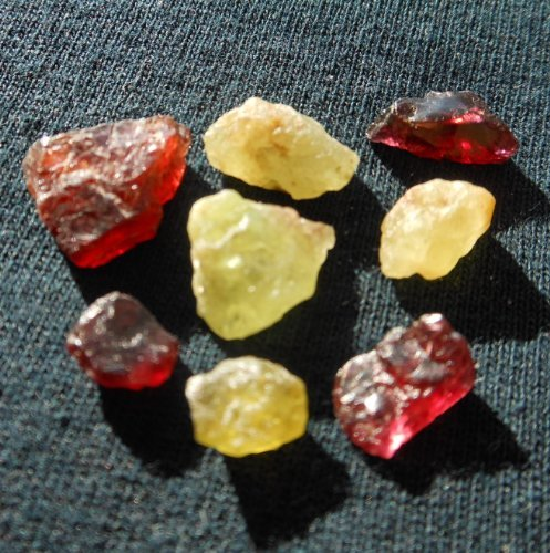 iProGallery Materials: 30 Ct. / 8 Pieces Garnet Group - Unheated 100% Natural Rough Green Mali Garnet and Pink Raspberry Rhodolite Garnet Gemstones Crystal Collection (Rhodolite Crystal compare prices)