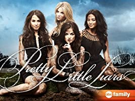 Pretty Little Liars: The Complete First Season [HD]