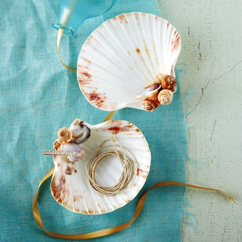 Two's Company Decorative Footed Shell Dish -