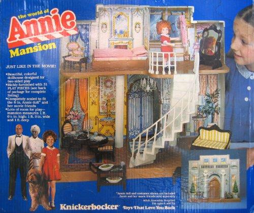 Knickerbocker The World of Annie MANSION w Furniture - Little Orphan Annie Playset (1982)