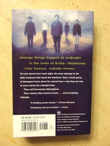 Amazon.com: The Secret Hour (Midnighters #1) (9780060519537): Scott Westerfeld: Books