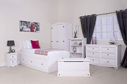 White Washed Coastal Shabby Chic Bedroom Furniture Package Set - Chest Of Drawers, Wardrobe and 2 bedsides