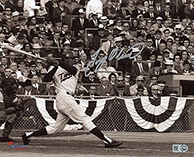 Tony Oliva Minnesota Twins Autographed 8'' x 10'' Black and White Horizontal Hitting Photograph - Fanatics Authentic Certified