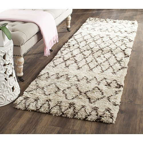 "Safavieh Casablanca Shag Collection CSB851A Southwestern Ivory and Natural Premium Wool & Cotton Runner (23"" x 8)"
