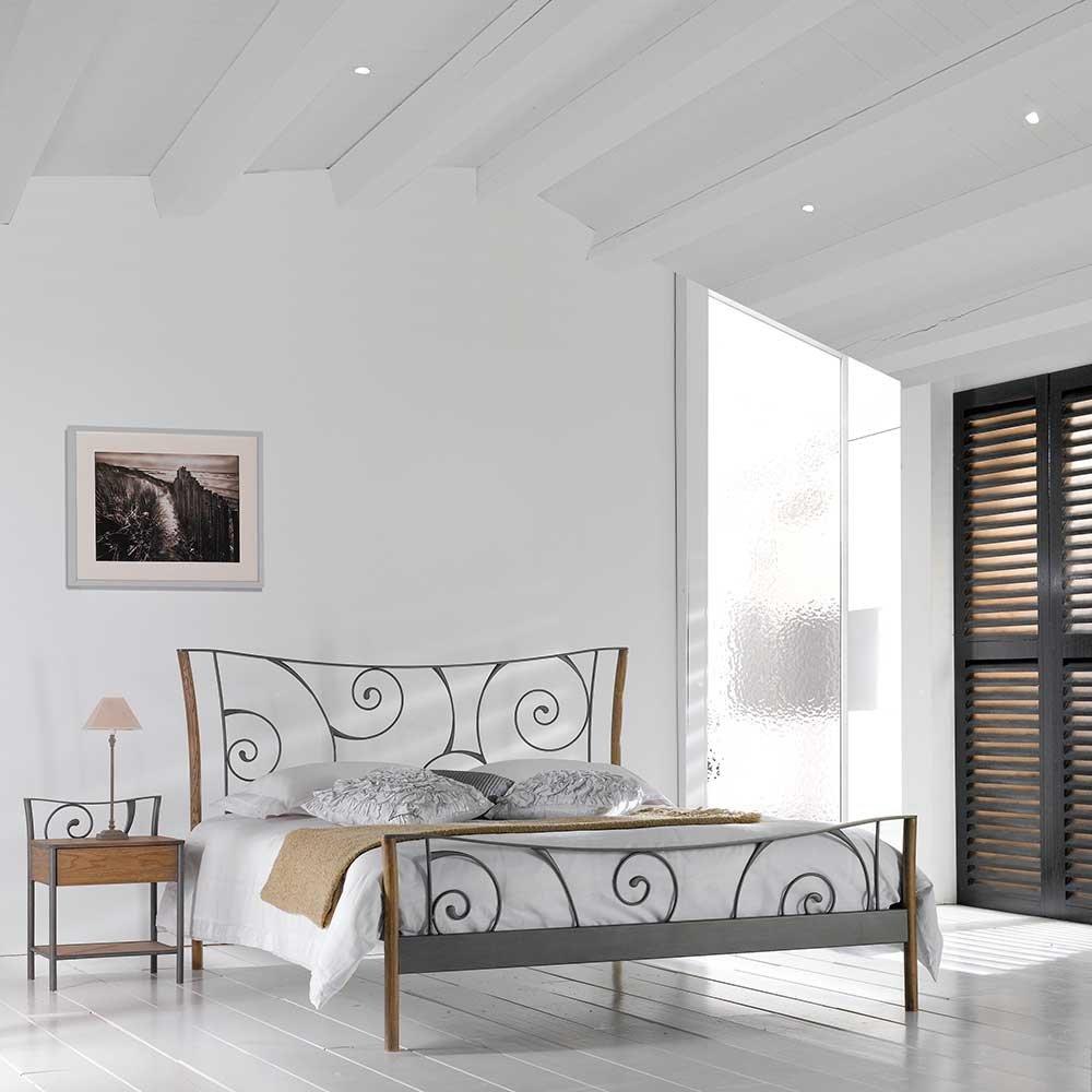 Bett aus Metall mit Eiche Breite 152 cm Liegefläche 140×200 Pharao24 jetzt kaufen