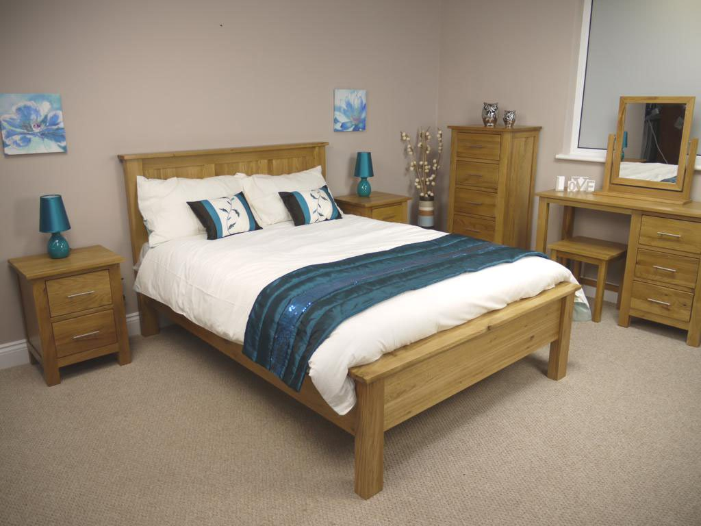 OAKLAND   CHUNKY OAK BED FRAME / 5&' KING SIZE BEDSTEAD       Customer review
