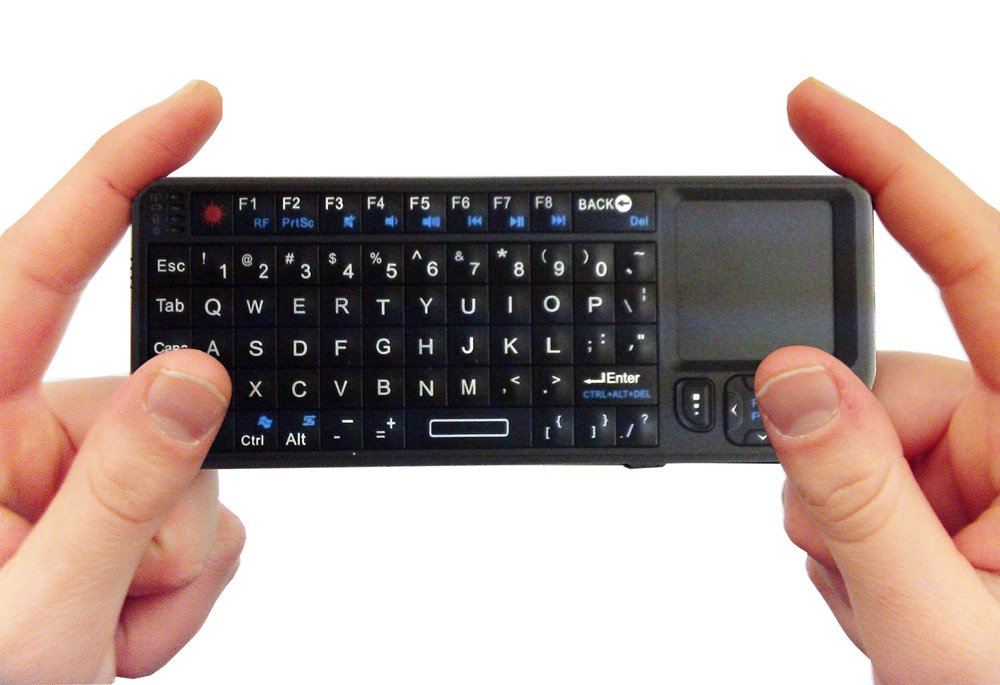 FAVI Entertainment Wireless Keyboard (Built-in TouchPad/Laser Pointer) &#8211; Black $21.69