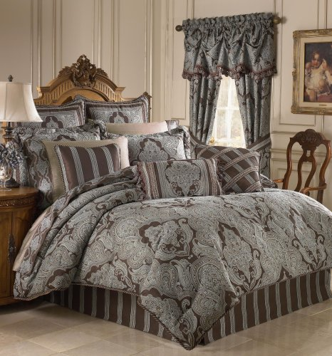 Croscill Royalton Queen Comforter Set front-890770