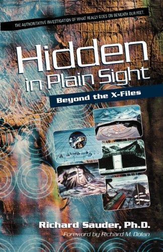 Hidden in Plain Sight Beyond the X-Files096781622X