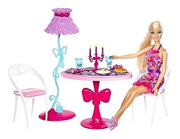 Barbie - X7942 - Poupée - Barbie dans sa Salle à Manger
