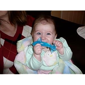 宝宝用品海淘:baby banana 香蕉宝宝硅胶婴儿鲨鱼牙刷