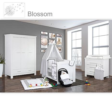 Babyzimmer Enni in weiss 21 tlg. mit 3 turigem Kl. + Textilien Blossom, Weiß / Grau