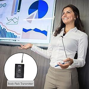 Sistema de micrófono Pyle PDWM2115 inalámbrico, con Micrófono y transmisor de la correa del paquete.