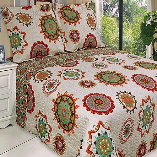 Contemporary Boho Medallion Red/Orange Lightweight Oversized Quilt Coverlet Set Full/Queen front-1036937