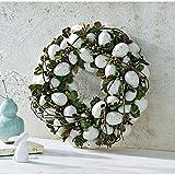 Osterkranz mit künstlichen Eiern grün
