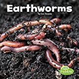 Earthworms wiggle in the soil under our feet. In their dark homes, these helpful critters make their way around with no eyes or ears while enriching the soil. Appeal to young children's fascination with nature with delightfully simple, fun text and b...