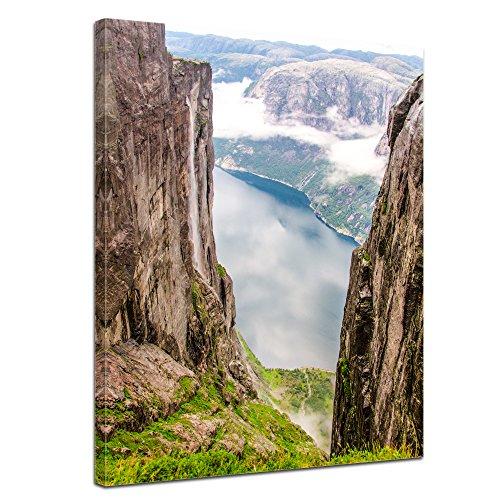 "Bilderdepot24 Leinwandbild ""Blick auf Lysefjord vom Kjeragberg"" - 50x70 cm 1 teilig - fertig gerahmt, direkt vom Hersteller"