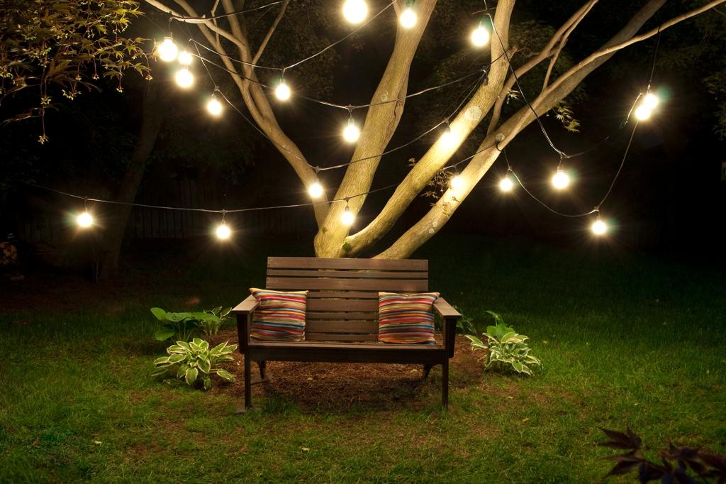 Bulbrite string15 e26 s14kt outdoor string light w for How to hang string lights on trees