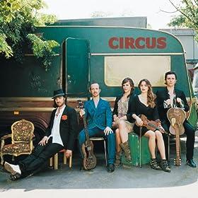 Circus [+digital booklet]