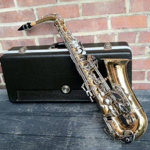 Selmer Bundy II Alto Saxophone w/Case (Selmer Bundy Ii Alto Saxophone compare prices)