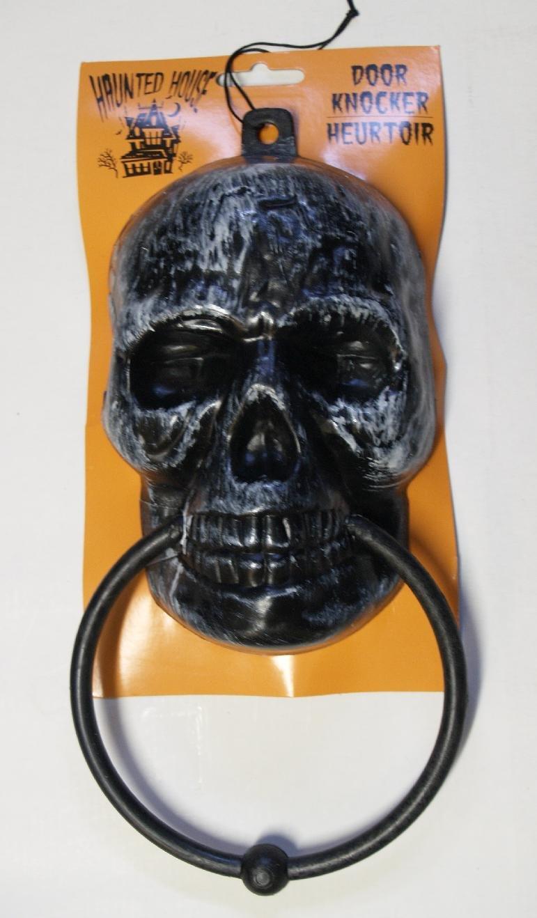 Fun Halloween Decoration Ideas ~ 003642_Halloween Door Knocker