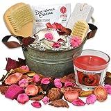 handverpacktes Set Rosenzauber inklusive Badesalz und Duftkerze sowie Badezubehör aus Holz