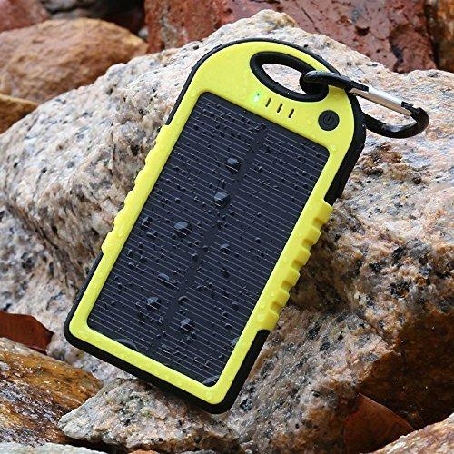 防水/防塵/耐衝撃アウトドア向け防災グッズソーラー充電器 大容量5000mah iPhone・iPad・USB接続可能な全てのスマートフォン対応 (Yellow)