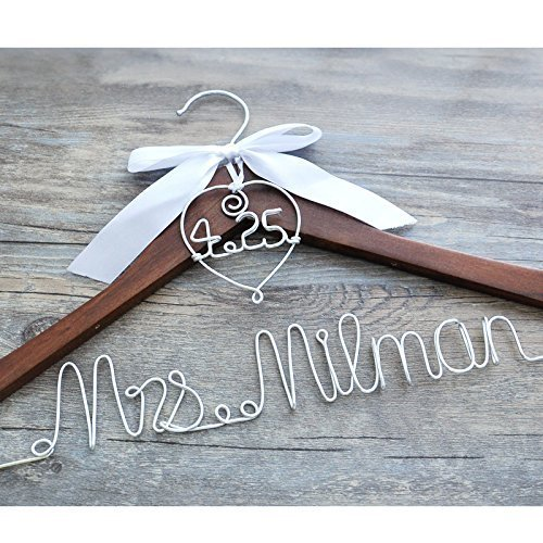 Custom wedding Hanger with heart and date for your wedding, wedding hanger, personalized bridal hanger, wedding dress hanger, shower gifts, bridal dress hanger