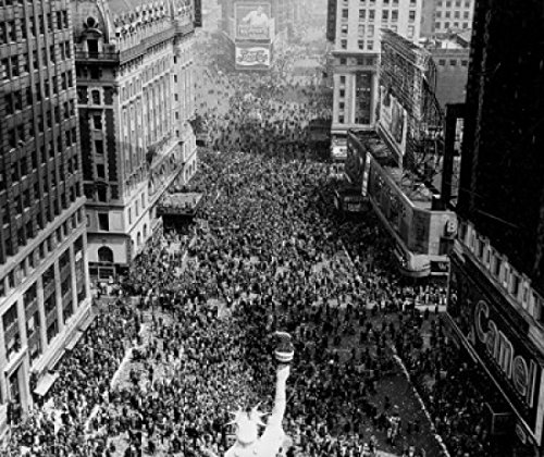High Angle View Of A Replica Of The Statue Of Liberty On Vj Day, Times Square, Manhattan, New York City, New York, Usa Poster Print (18 X 24)