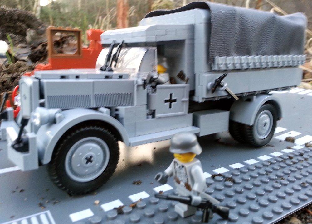 Modbrix 2449 – ✠ Bausteine Opel Blitz LKW Truppen Transporter inkl. custom Wehrmacht Soldaten aus original Lego© Teilen ✠ online bestellen