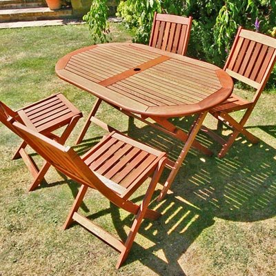 BillyOh Elegance 1.4m Oval Folding 4 Seater Wooden Garden Furniture Set
