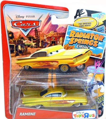 Disney / Pixar CARS RADIATOR SPRINGS CLASSIC Exclusive 1:55 Die Cast Car GOLD Ramone