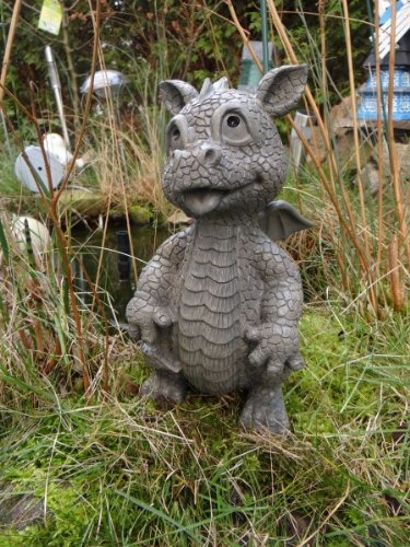 looking-at-the-top-of-the-ars-bavaria-sitting-dragon-figure-dragon