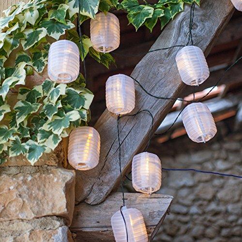 Catena di 10 luci LED con lanterne in tessuto impermeabile bianco ad energia solare di Lights4fun