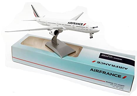 Maquette AIR FRANCE BOEING 777-300ER au 1/200 en Plastique