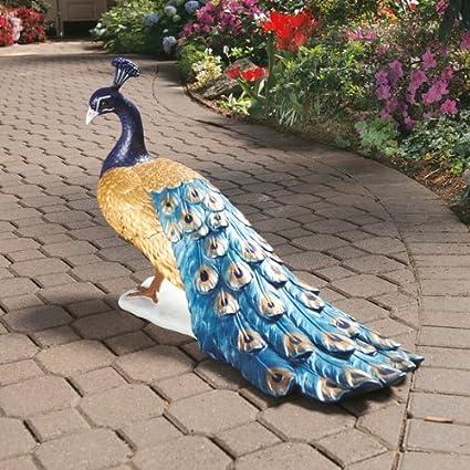 Captivating Design Toscano DB20191 The Regal Peacock Garden Statue