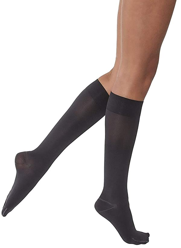 JOBST Opaque Knee High with SoftFit Technology Band, 15-20 mmHg Compression Stockings, Closed Toe, Medium, Anthracite (Color: Anthracite, Tamaño: Medium)