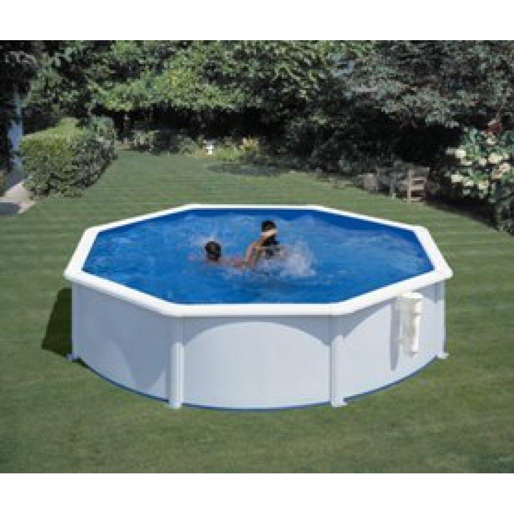Gre rund Schwimmbad
