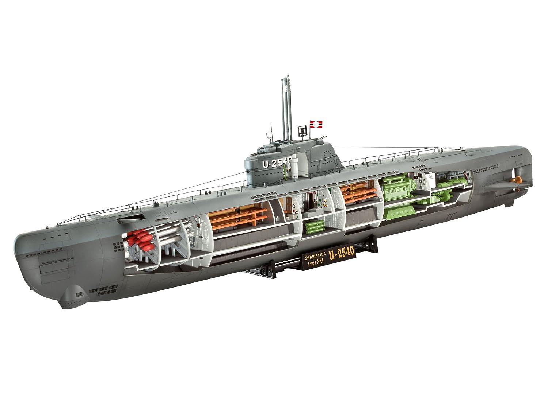Maqueta del submarino u2540 alemán