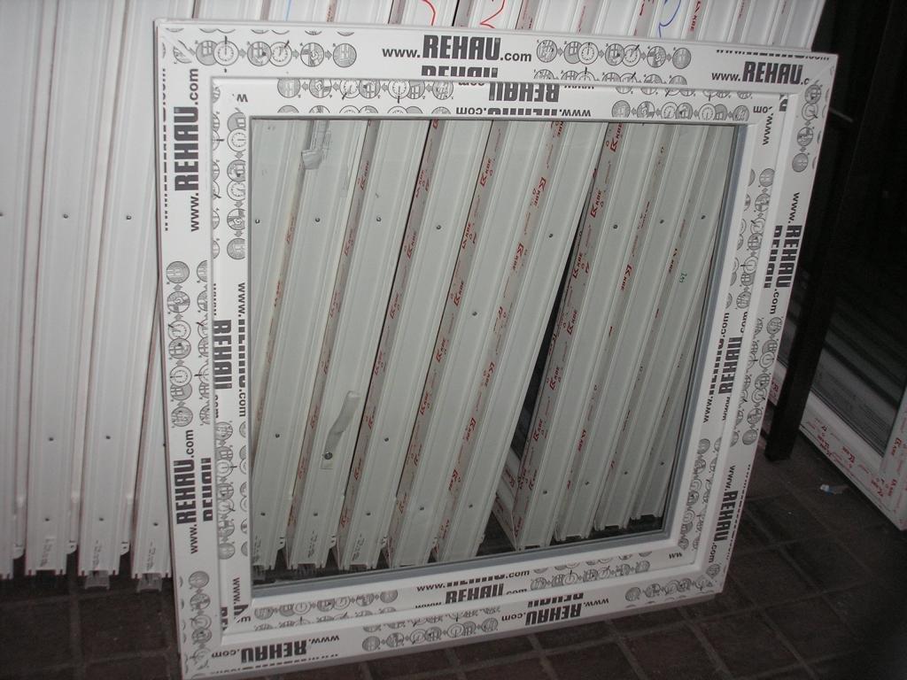 Kunststofffenster 100 x 100 (b x h), Rehau, 1 flügelig, weiss, Din links  BaumarktKundenbewertung und weitere Informationen