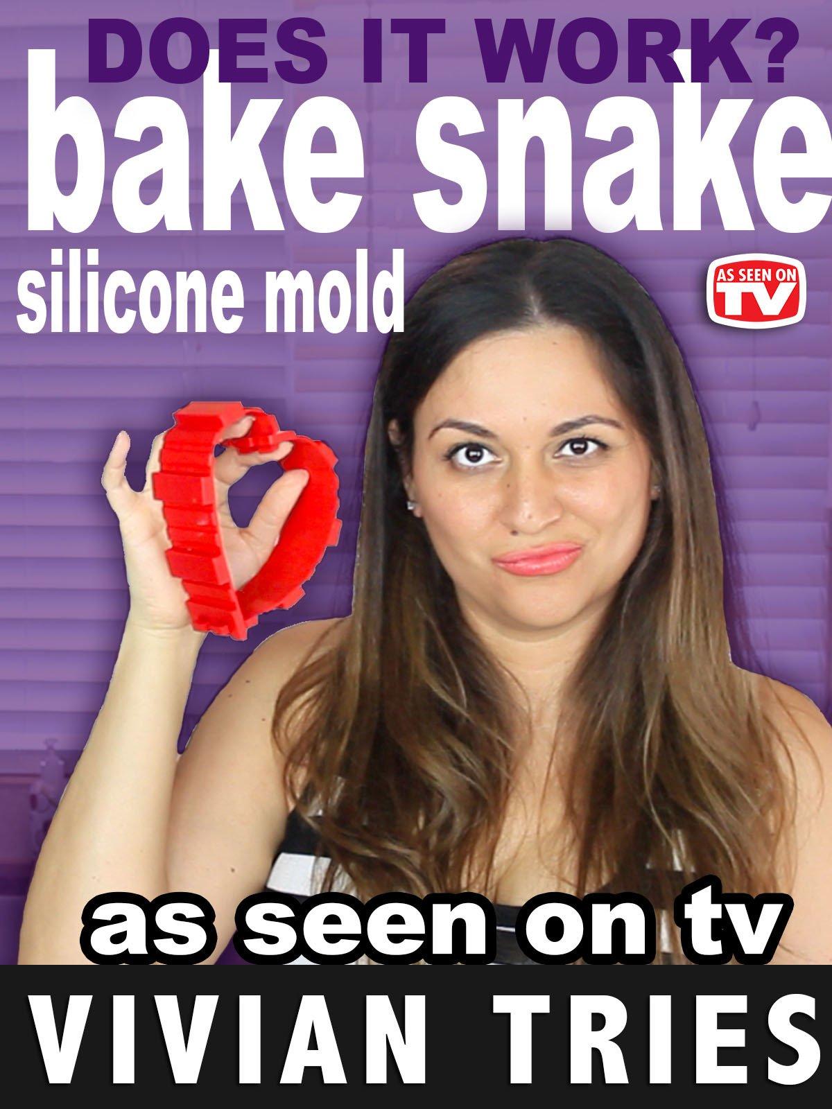 Review: Vivian Tries Silicone Mold Bake Snake