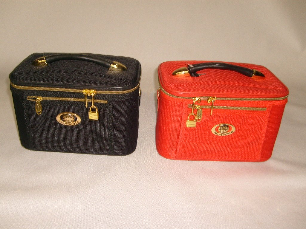 Cosmetic-Case-train-Case-beauty-Case-travel-Case-makeup-with-Inside-Pocket