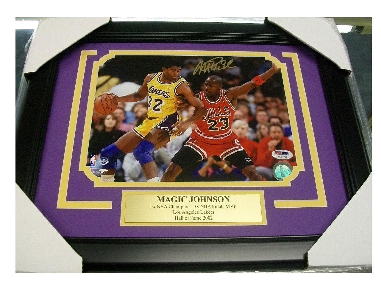 Magic Johnson Signed Picture - Vs Michael Jordan Psa 8x10 Framed Authentic - Autographed NBA Photos signed cnblue jung yong hwa autographed mini2nd album do disturb cd photobook signed poster 082017