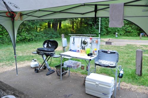 Amazon Com Coleman Pack Away 174 Deluxe Camp Kitchen