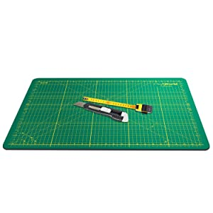 Crafty World Deluxe Cutting Mats - Double Sided Used by Pro Hobbyists - Self Healing Cutting Mat - Doesn't Slip, Extra Long Lasting & Easy to Read Markings - 18 x 24 Inches (Color: Green, Tamaño: 18 x 24 Inches)