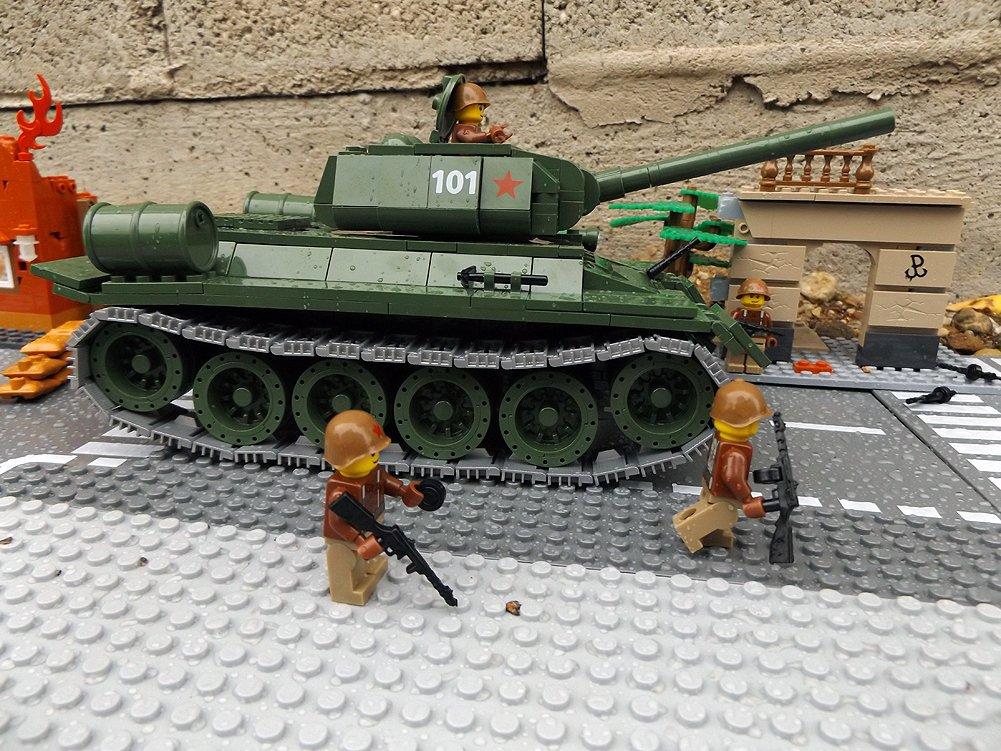 Modbrix 2452 – ☭ Rote Armee Panzer T-34 inkl. custom Sowjetische Soldaten aus original Lego© Teilen ☭ kaufen